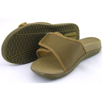 Sport Sandal in Tan